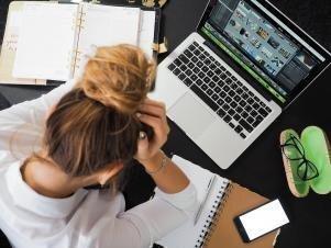 40 % Latvijas iedzīvotāju saskārušies ar darba pienākumu izraisītām veselības problēmām