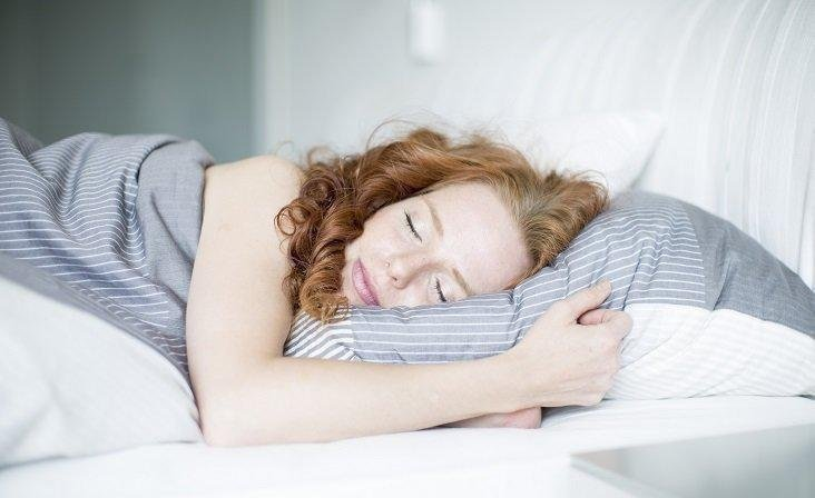 60% Latvijas iedzīvotāju guļ pārāk maz, riskējot ar nopietnām veselības problēmām