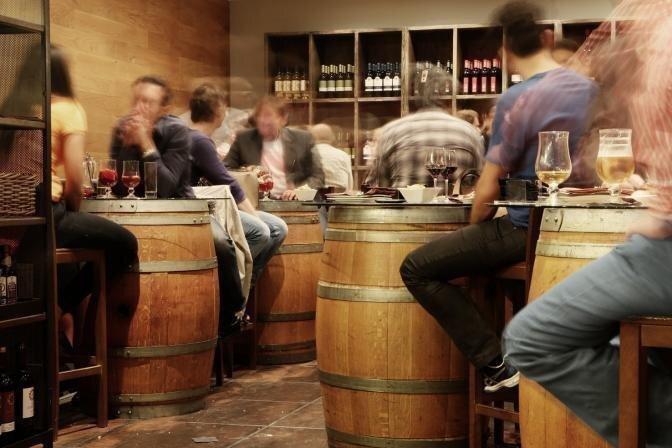 Veselības indekss: Katrs desmitais vīrietis Latvijā cieš no alkohola atkarības