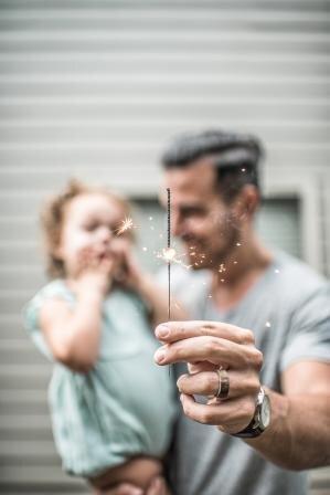 6 vecāku paradumi, kas palīdzēs izaudzināt emocionāli veselus bērnus