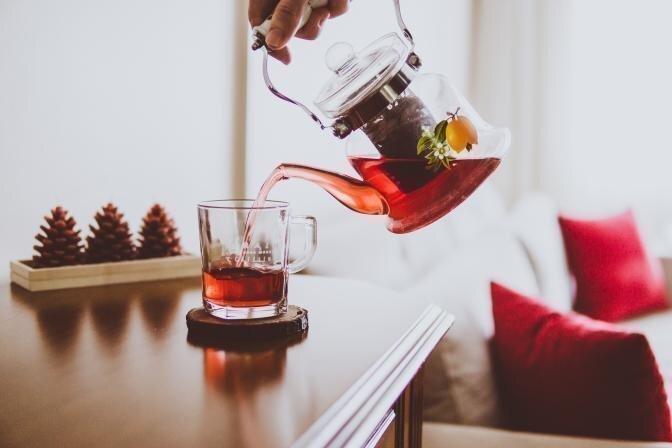 Farmaceits iesaka veselību stiprinošus karstos dzērienus