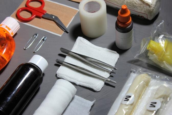 Tīrība un kārtība mājas aptieciņā: organizēšanas konsultante dalās praktiskos padomos medikamentu uzglabāšanai