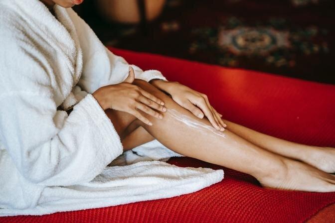 5 ādas kopšanas padomi, lai mazinātu striju veidošanos